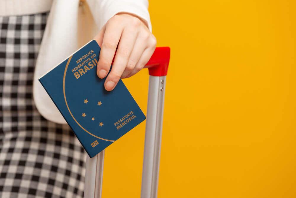 Guia de como tirar passaporte brasileiro